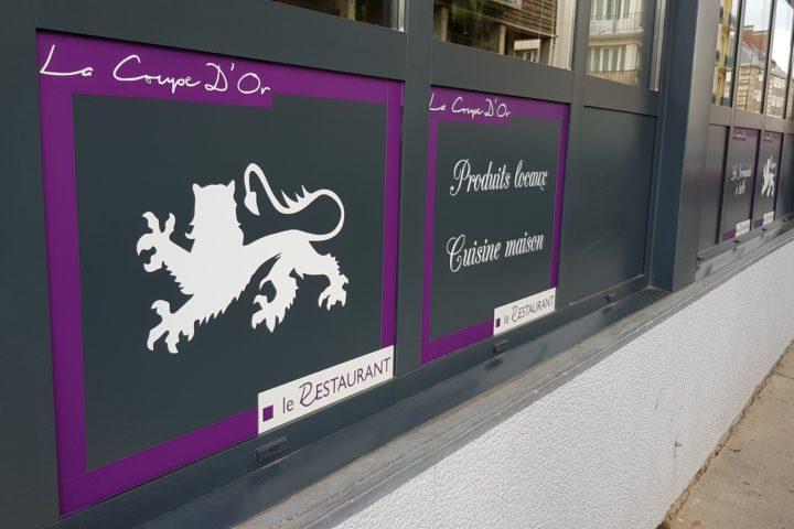 impression adhesifs personnalisés restaurant devanture magasin vitrine communication la coupe d'or lisieux calvados normandie