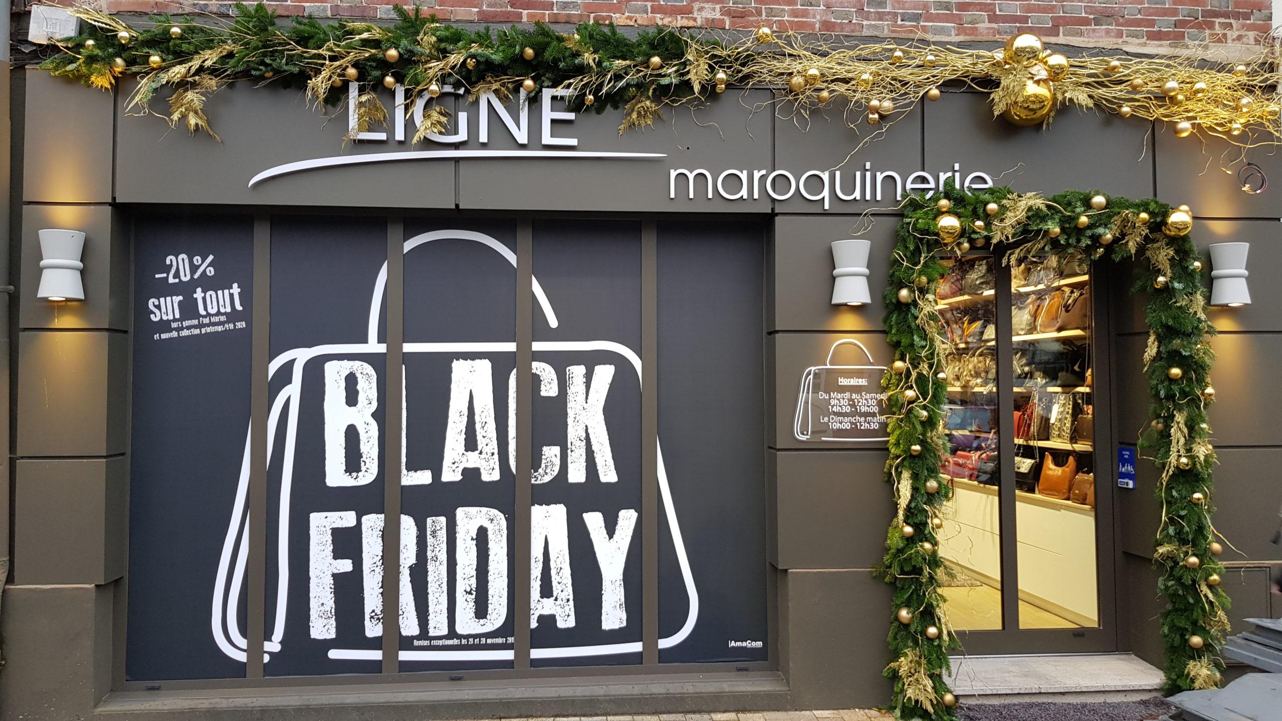 adhésif personnalisé en vitrine Black Friday commerce Ligne Maroquinerie Le Neubourg