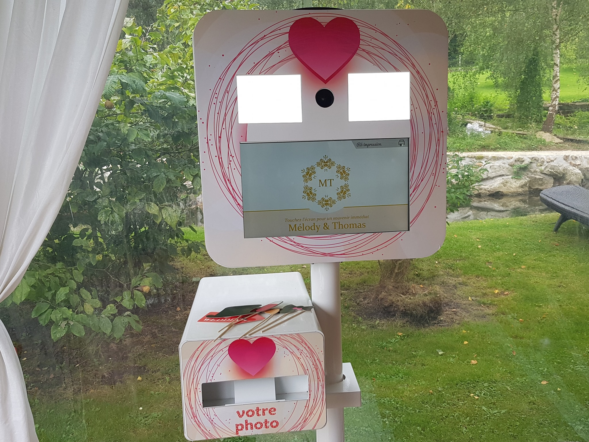 location borne à selfie mariage le moulin fouret bernay eure normandie photobooth photobox evenement mariage